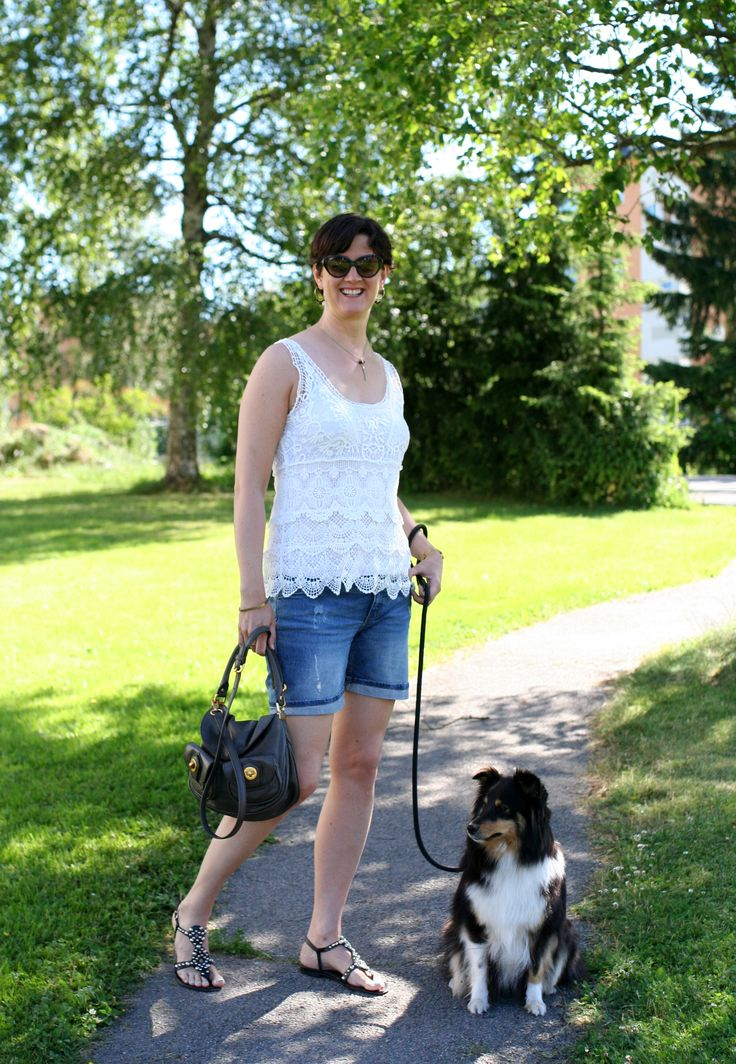 Tall Girl's Fashion // Denim shorts, lace top & studded sandals