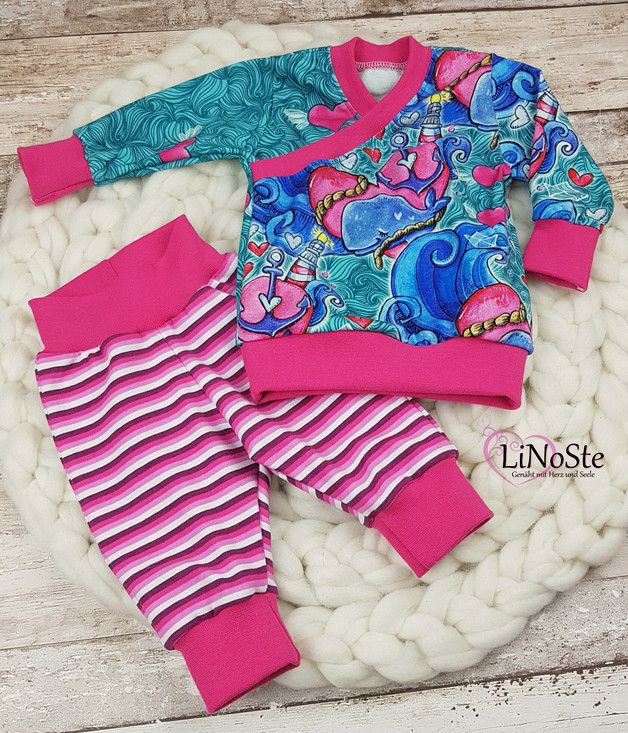 Ein Süßes Set aus Hose und Baby-Shirt.  Das Shirt und Hose wurden aus hochwertigen Jersey-Stoffen genäht.   ** Gerne fertige ich Das Set natürlich auch in eurem Wunsch Design. (Auch für...