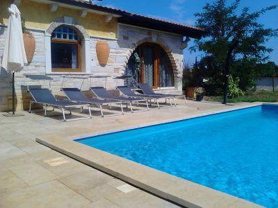 Urlaub in Kroatien Ferienhaus JM mit Pool in der Urlaubsregion Sisan (Liznjan, Istrien)  Dieses individuelle Ferienhaus mit Swimmingpool wird Ihren Urlaub zu einem gelungenen Erlebnis machen wird