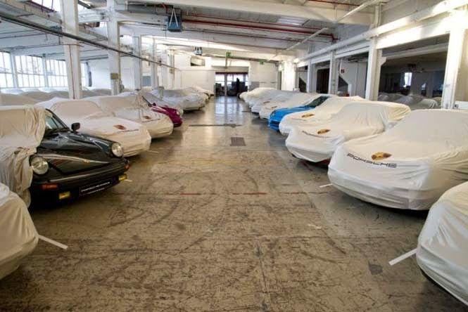 etsi: Η εκπληκτική συλλογή αυτοκινήτων στη μυστική αποθή...