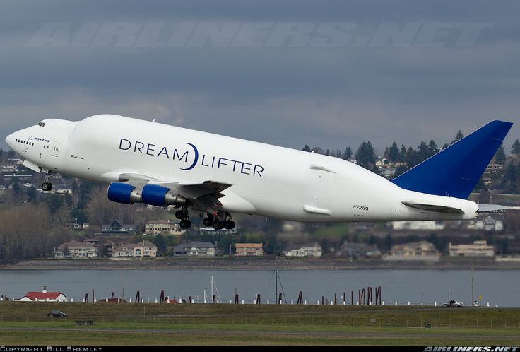Boeing moves 747 Dreamlifter base from Everett to 787