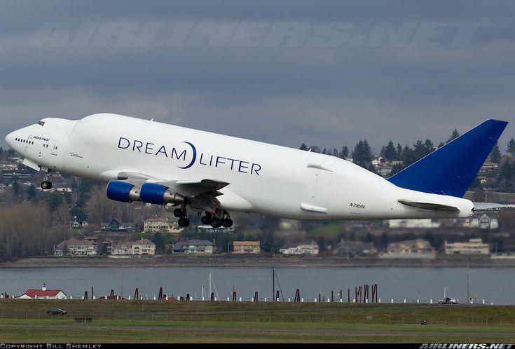Boeing (Atlas Air) N718BA Boeing 747-4J6(LCF) Dreamlifter aircraft picture