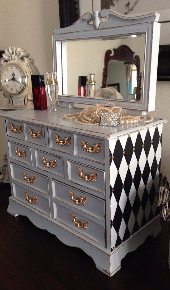 Vintage Musical Jewelry Box Dresser Style by ColorfulHomeDesigns, $120.00