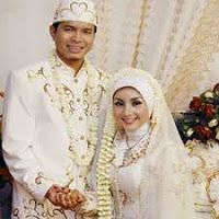 Tips Memilih Kebaya Pengantin Muslimah,model kebaya pengantin muslimah modern 2015,gambar kebaya pengantin muslimah,harga baju kebaya pengantin muslimah terbaru 2015,