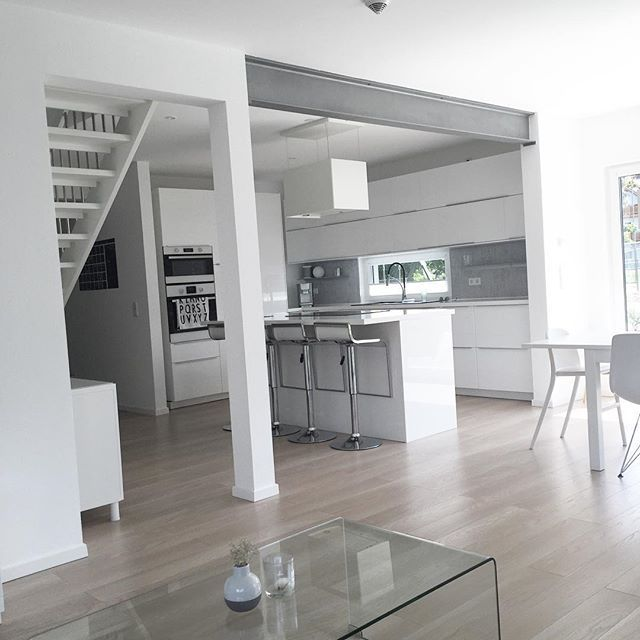   back from Holidays , Love the fact that the house is clean and shiny when we are home   #interiors #interior #minimalism #nordichome #nordicinspiration #design #furniture #white #point157a #cultfurniture #danwood_house #nordicminimalism #wohnkonfetti #germaninteriorbloggers #nordiskehjem #meinikea