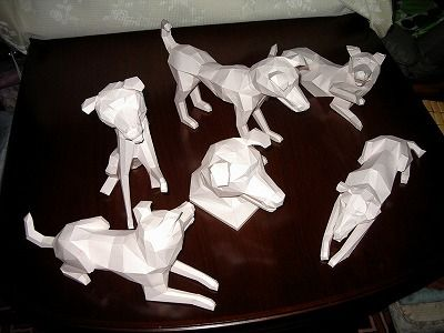 Dogs, Dogs And More Dogs - by Hapy Mizuno - via Pepakura Gallery - == -  A bunch of Dogs in several positions, created by Japanese designer Happy Mizuno and shared at Pepakura Gallery website. To view and print this model you will need Pepakura Viewer Free Version (link at the end of this post).