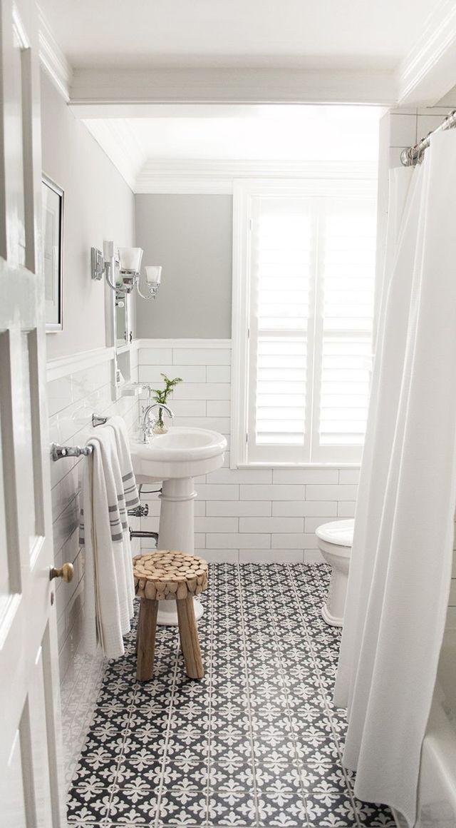 White And Grey Bathroom With Decorative Floor Tile Bathroom Design Small Bathroom Remodel Master Small Bathroom Remodel