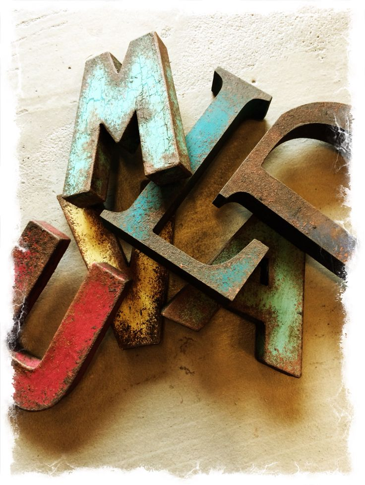 Rusty letters using  Chalk Paint.