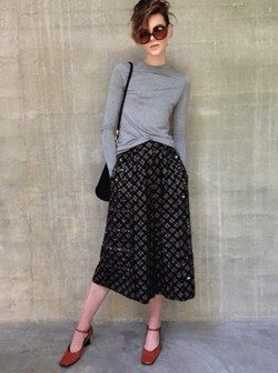 Marc Jacobs culottes, a Zara top, Prada mary-janes, a vintage bag and sunnies