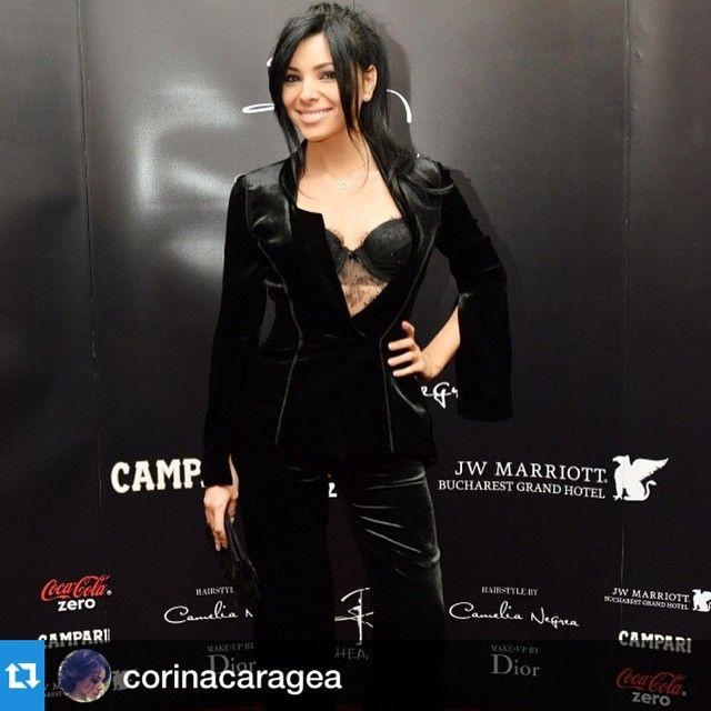 Stunning appearance #flashbackmoment @corinacaragea #parlorstudio #evening #velvetsuit #lace #sexylook  #fashion #lookoftheday #lovely #smile #forlovet #romania #romaniandesigners