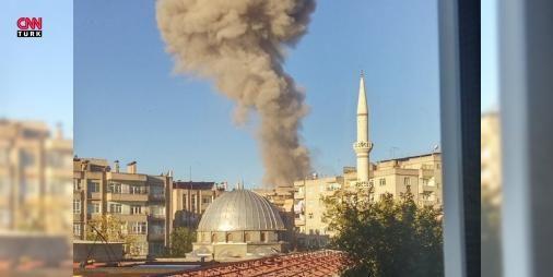 Diyarbakırda çok büyük patlama : Diyarbakır Emniyet Müdürlüğünün Bağlar ilçesindeki ek binası yakınlarında patlama meydana geldi. Olay yerine çok sayıda ambulans sevk edildi.  http://www.haberdex.com/turkiye/Diyarbakir-da-cok-buyuk-patlama/67339?kaynak=feeds #Türkiye   #Diyarbakır #çok #patlama #yerine #sayıda