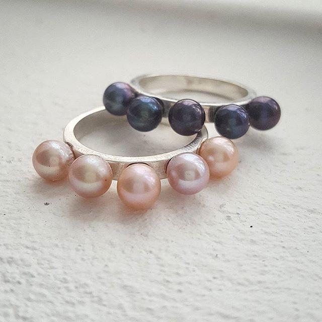Pearls for days... Freshwater pearl crown rings 👑  #zoealexandria #bohemejewels #pearls #queen #madeinbondi #jewellerymaker #crown #rings