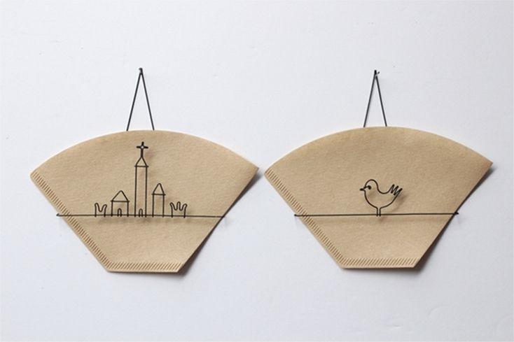 キッチンの壁にスッキリ収納。作家の作る針金コーヒーフィルター | ROOMIE(ルーミー)