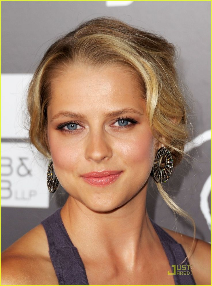 teresa palmer | Teresa Palmer: Breakthrough Awards with Scott Speedman!