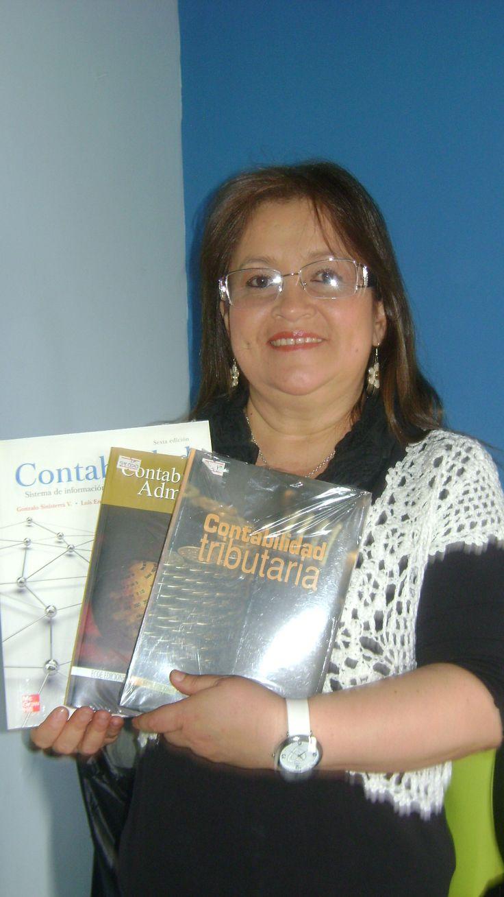 Compra de libros para preparar clases del canal