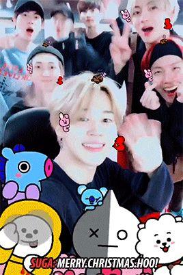 Jongkookie siempre feliz , Yoongi cargado de energía , Tae con eso te enamora , Namjoon *morir de ternura* ,Jin y esas caras(?) Hobi tan cariñoso y jimin siempre :D .... Hermoso