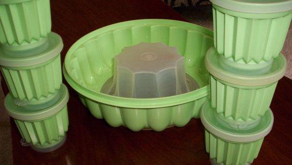 Vintage menthe verte Tupperware Jello moulé bol et 6 tasses de moule de Jello Miniature