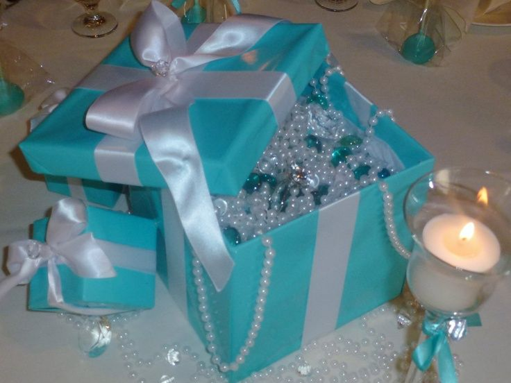 tiffany centerpieces   Tiffany Blue Box Centerpieces   Sweet 16