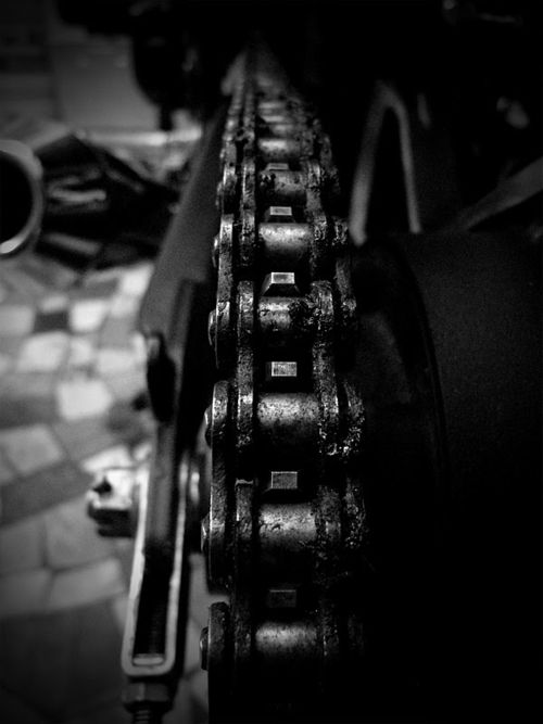 more chain: Motorcycles Passion, Cars Motorcycles, Motorcycles Details, Motorcycles Diaries, Motorcycles Chains, Ate Aleth, Motorbikeeurop Com, Motorcycles Pictures, Black And White Motorcycles