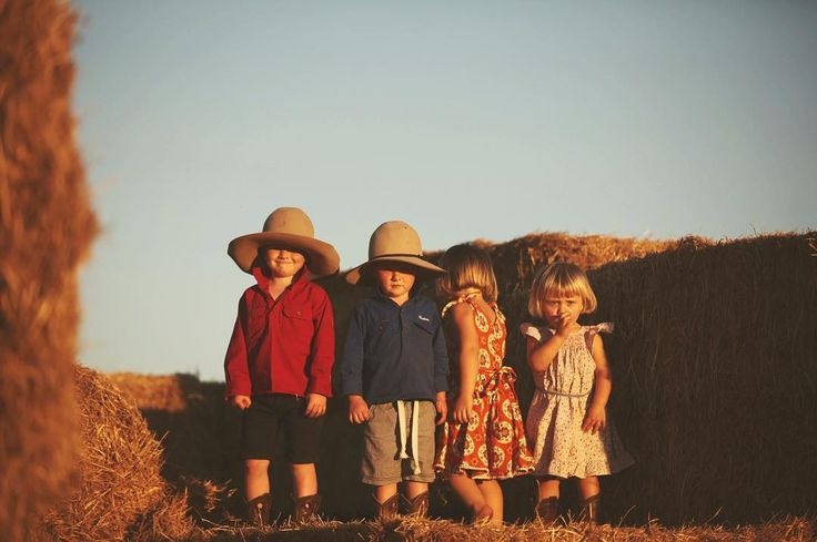 Little people at Moolooloo Station.  #goldenhour #countrykids #cousins  #stationlife #NT
