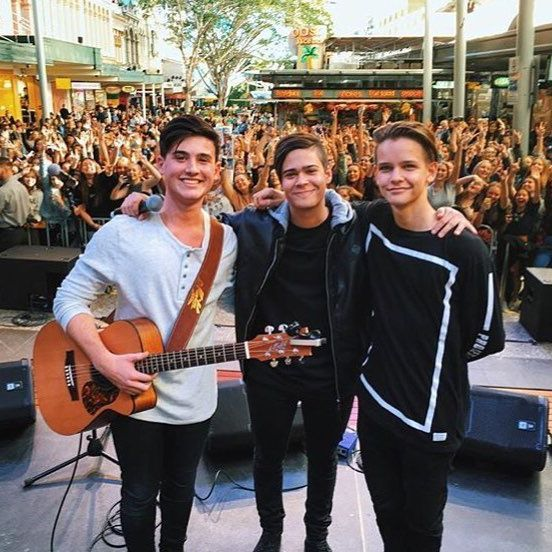 BRISBANE BABES! What a turnout! Thanks for coming, fam. Who's joining Dolly, Chris, Jakob and Ethan at Westfield Burwood tomorrow? #DollyPresentsInStereo #InStereo