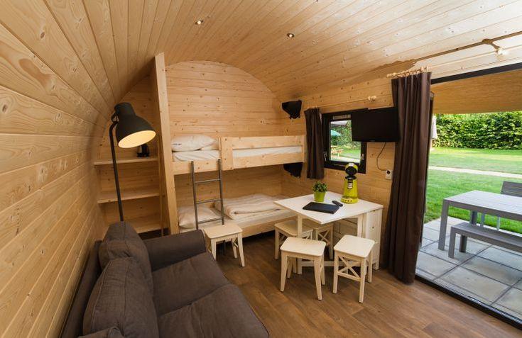 Recreatiepark De Leistert in Roggel is een zeer veelzijdige glamping in Limburg met talloze faciliteiten en activiteiten. Verblijf in een knusse cabin met toilet. Boek direct bij de aanbieder!