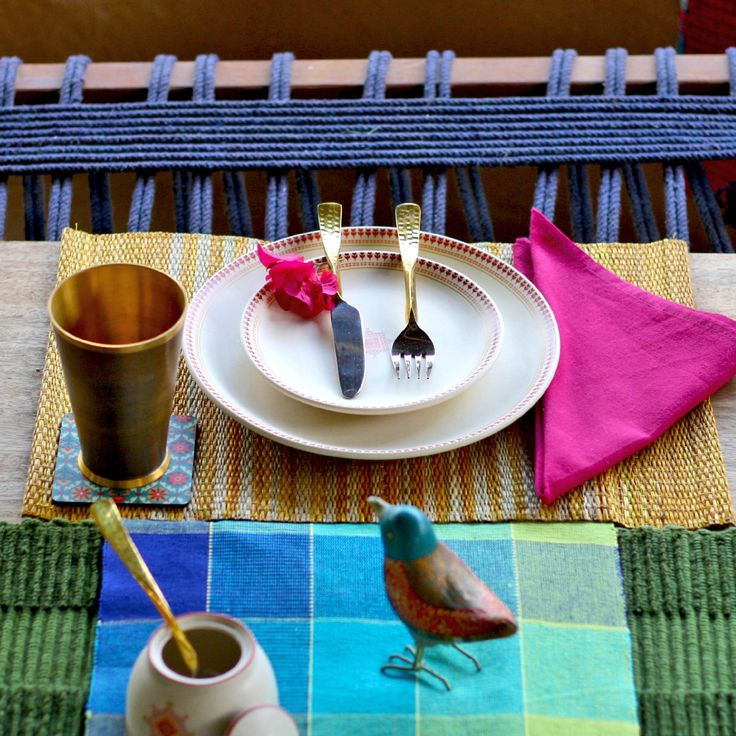 #home #beas #table-linen #tableware #vibrant #colours #cotton #tablemat #plates #glass #cutlery #napkin #meals #family #guests #friends # pink #blue #decor #lifestyle #summer #Fabindia