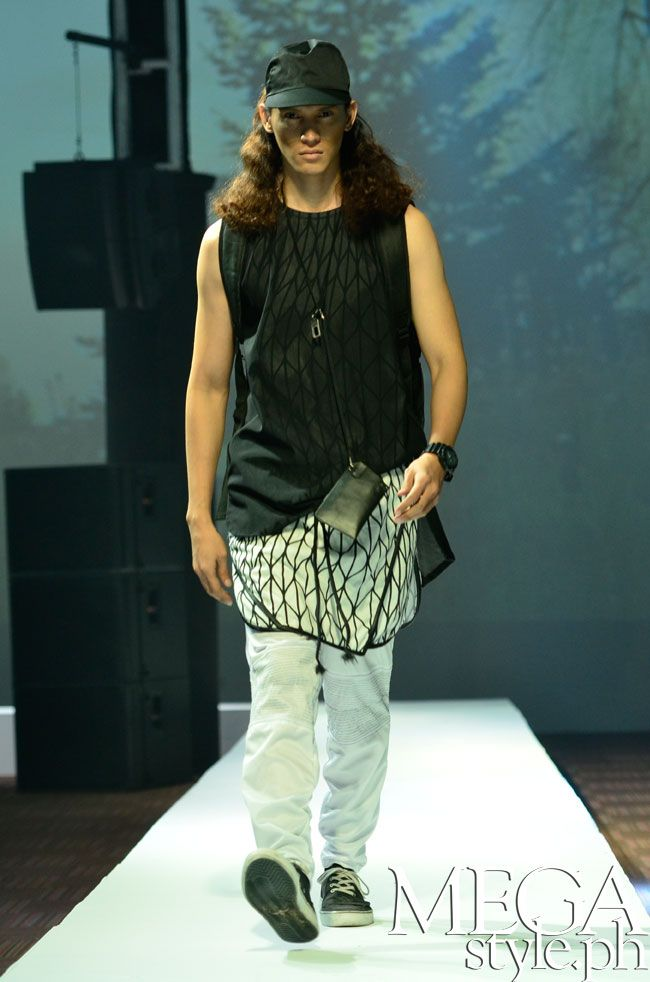 Renan Pacson for Manila Fashion Festival S/S 2015  www.shop.renanpacson.com