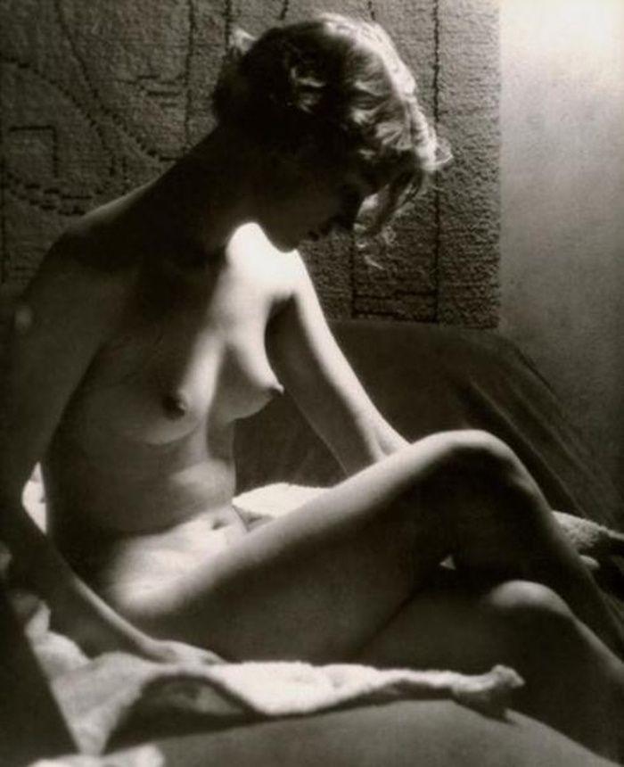 Lee Miller by Man Ray. Paris, 1929