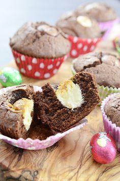 Chocolade cupcakes met paaseitjes