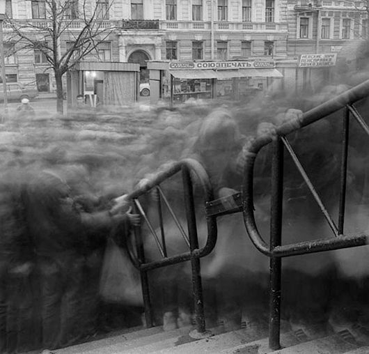 Alexey Titarenko's City Of Shadows  By altering the camera's shutter speed, photographer Alexey Titarenko recaptures the mood during the fall of the Soviet Union in this hauntingly beautiful photo series. (via theinspirationgrid.com)