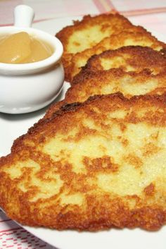 Potatoe Pancake - Austrian... mmmm with apple sauce, creme fraiche and a glass of Riesling... I'm soooo hungry right now..