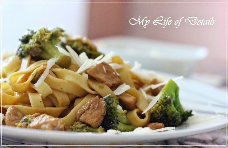 My Life of Details (Mi Vida de Detalles): Tagliatelle Oriental con Brócoli y Pollo