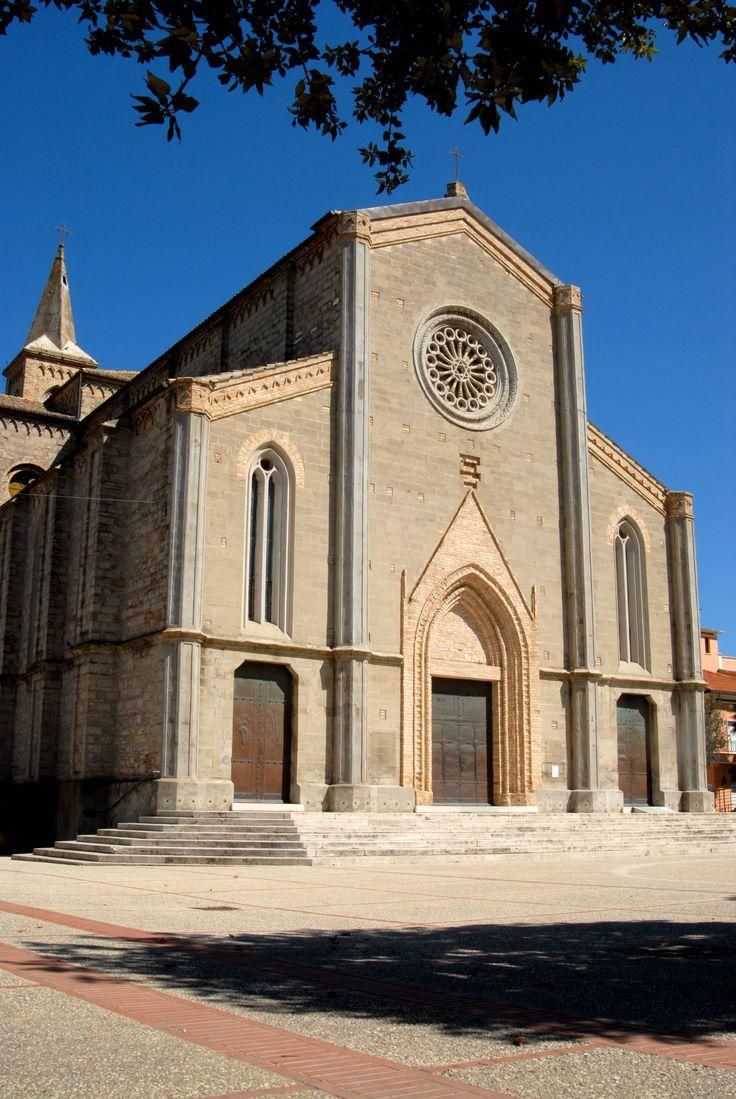 Chiesa neogotica di S. Maria e S. Pietro, XIX° sec. #marcafermana #pedaso #fermo #marche
