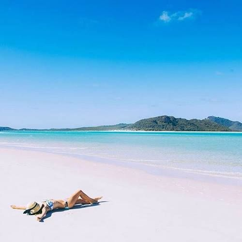 We wouldn't mind living like this every day would you? Make this YOUR life. Find out what roles are available in Hamilton Island: http://www.tastyjobs.com.au/co…/Hamilton+Island+Enterprises/ Image @whitsundaysqld via @polkadotpassport