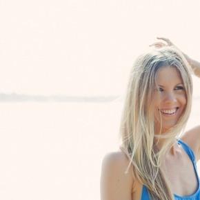 "jessica ainscough = blogger of ""the wellness warrior"" + inspiring gal healing from cancer naturally"