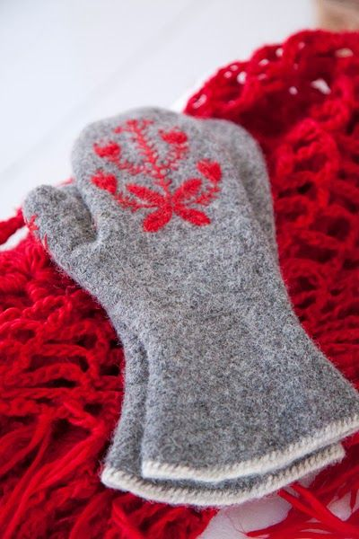 grey mittens with red design winter wear