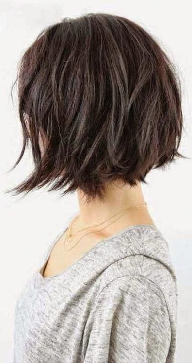 37 Kurze, abgehackte, geschichtete Frisuren - Chaotische Bob-Frisurentrends für Herbst / Winter 2019-2020 - Kurze Bob-Frisuren #bobstylehaircuts