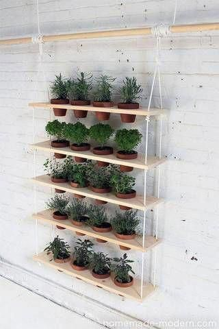 Urban Garden Ideen Holz Pflanzer mit Kräutern #BürgergartenBalkon