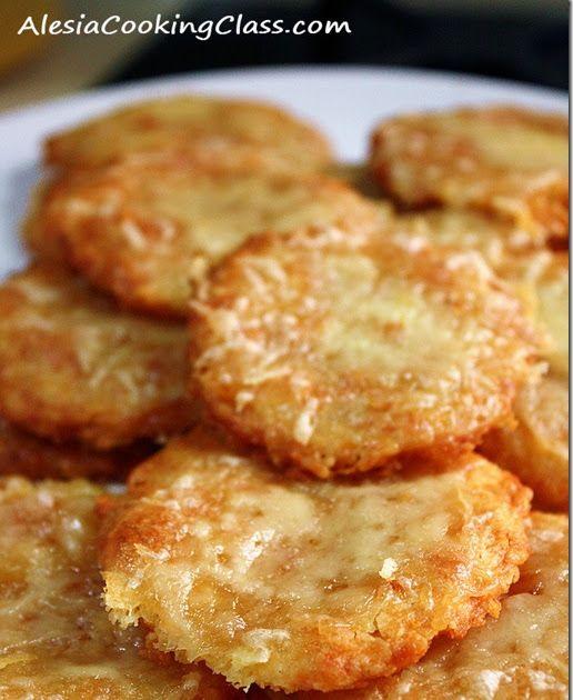 Очень-очень вкусное печение! Прекрасные хрустящие галетты с тягучим сыром, ароматные! Готовить всем и срочно :)  Рецепт из книги Джулии Чайл...