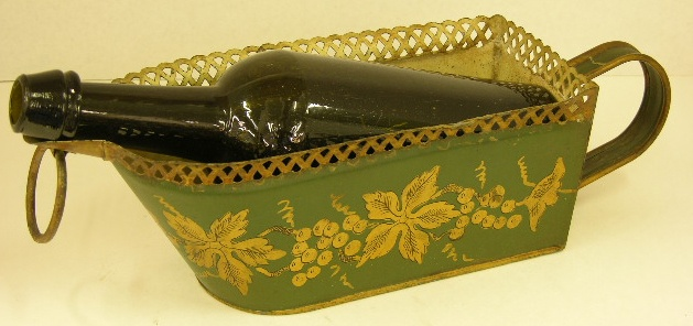 Painted Tole Wine Boat, 19th c., with a reticulated rim and green vintage decoration: Vintage Decoration, Tole Wine, Tole Painting Antiques, Green Vintage, Painted Tole, Reticulated Rim