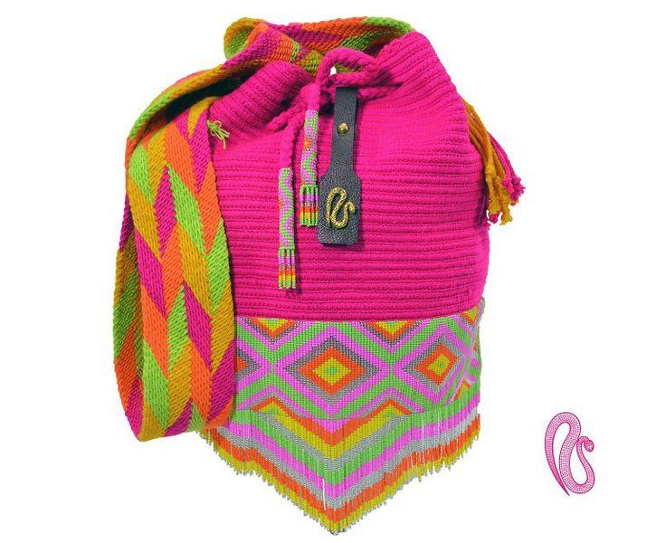 Mochilas Najash, mochila tejida a mano por los Indígenas Wayuu con accesorio en chaquiras de los Indígenas Embera! Indigenas Colombianos Email contact@najash.co