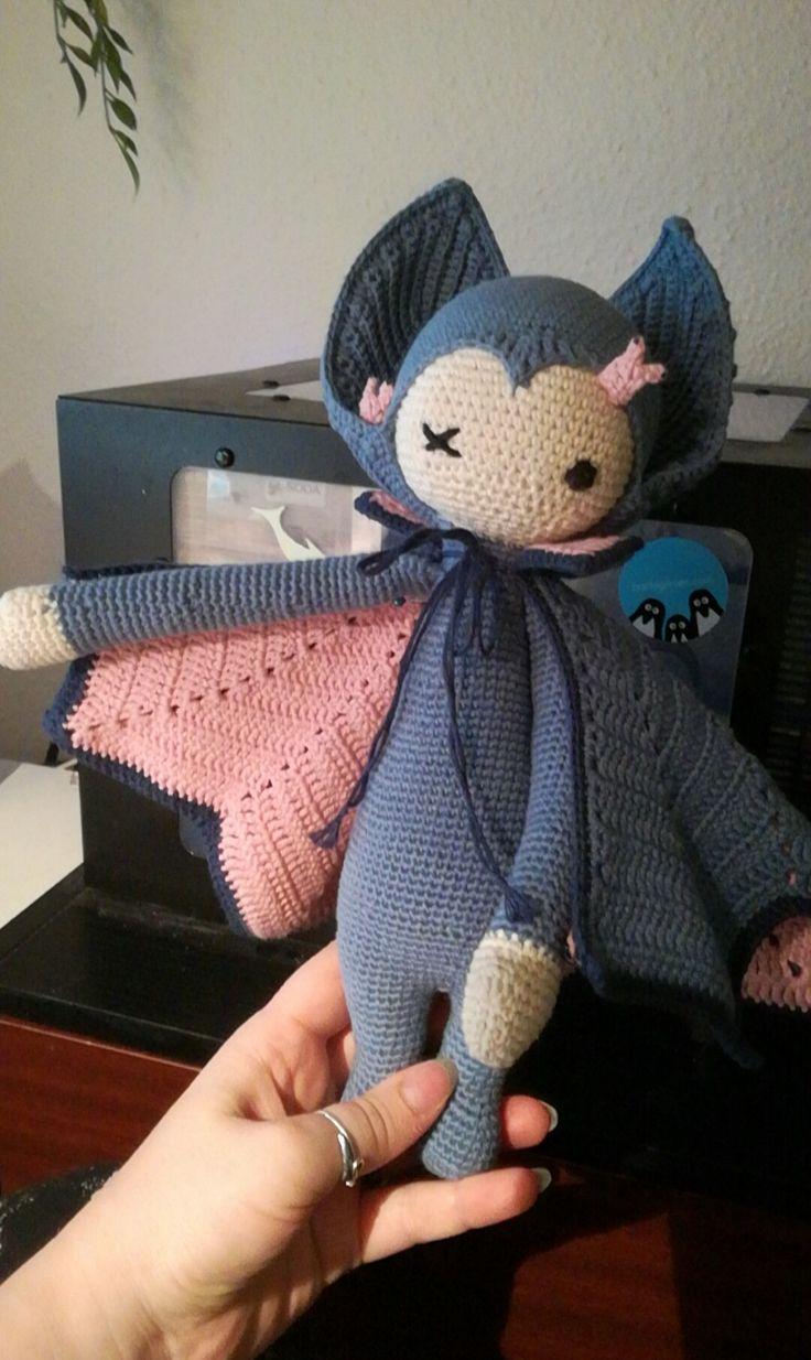Vlad the vampire bat made by Pennilaymay / crochet pattern by lalylala