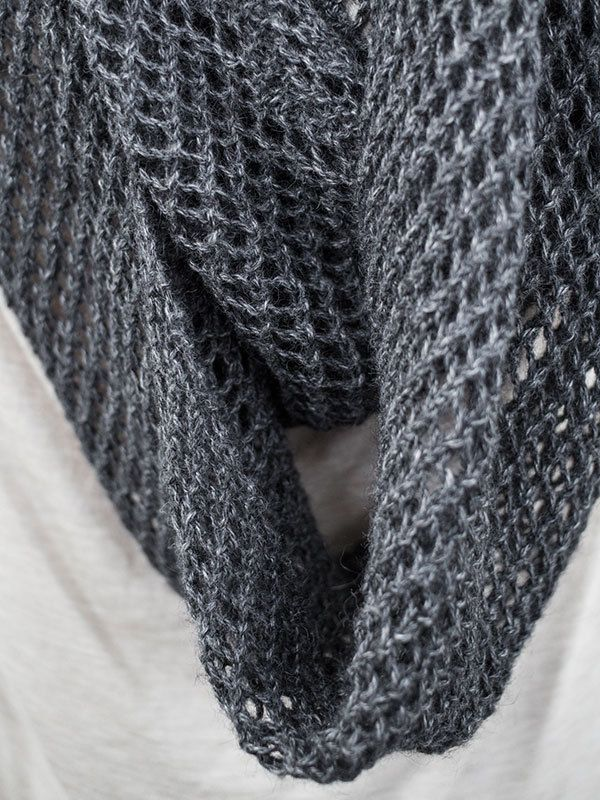 Knitted Infinity Scarf Pattern Pinterest : 98 best images about Cowl & Infinity Scarf Knitting ...