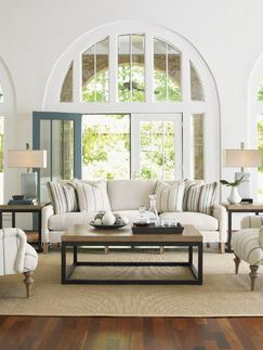 If rustic elegance and whitewashed rockers are your thing, then check out these cozy living rooms with some southern charm.