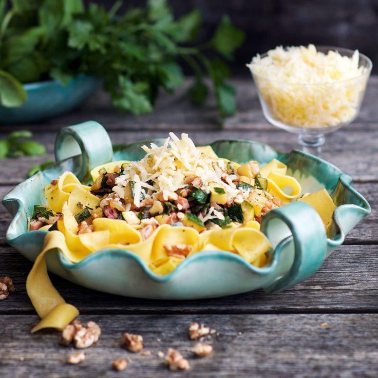 Pasta pancetta med valnötter och parmesan