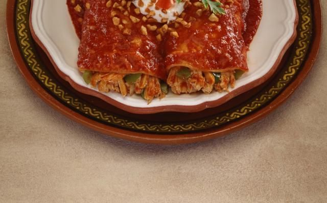 Try this recipe for a quick and easy enchilada sauce recipe and make your own homemade enchilada sauce from just a few simple ingredients. This Mexican food recipe is both vegetarian and vegan and so much better than the store-bought stuff in a can!