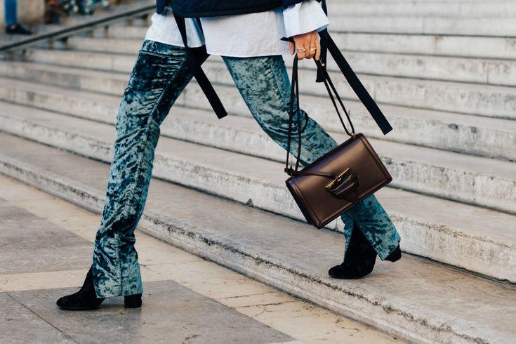 Sokak Stili: 2017 İlkbahar/Yaz Paris Moda Haftası 1. ve 2. Gün