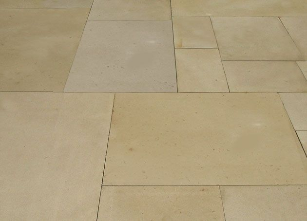 Manor Sawn: Manor sawn is very desirable due to the characteristic colouring it displays. The stone when quarried is a light grey/buff to light brown and it tends to darken to a richer colour as it ages.