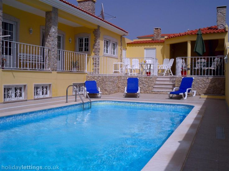 5 bedroom villa in Obidos to rent from £750 pw, with a private pool. Also with balcony/terrace, log fire, TV and DVD.